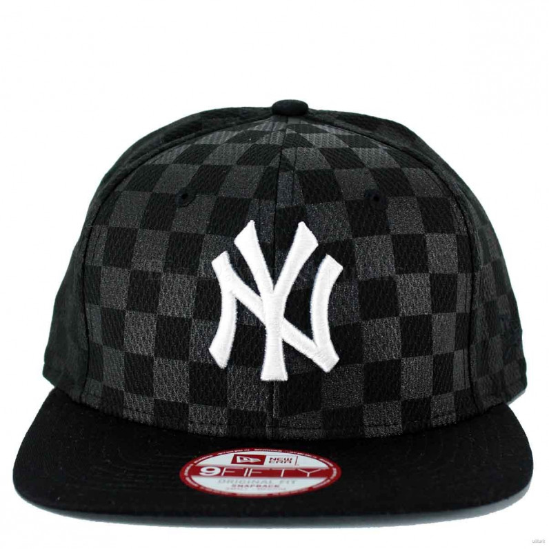 MLB 9Fifty NY New York Yankees Checkered Caro Black Snapback